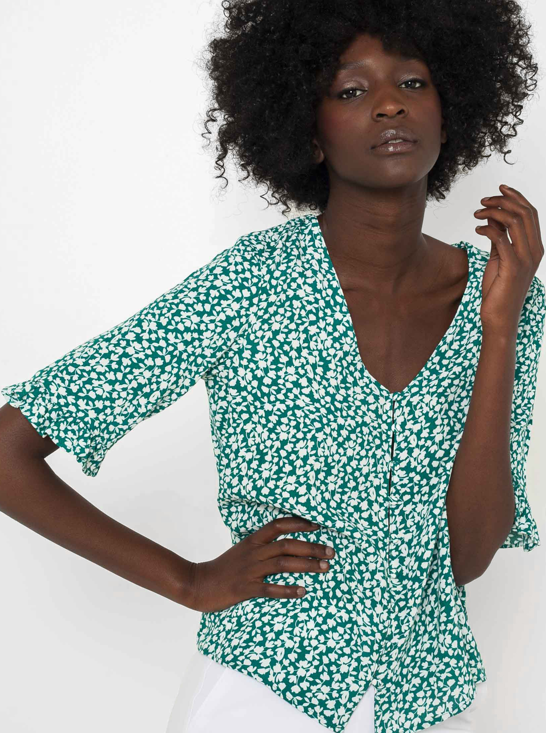 CAMAIEU zelena bluza s cvetličnim motivom
