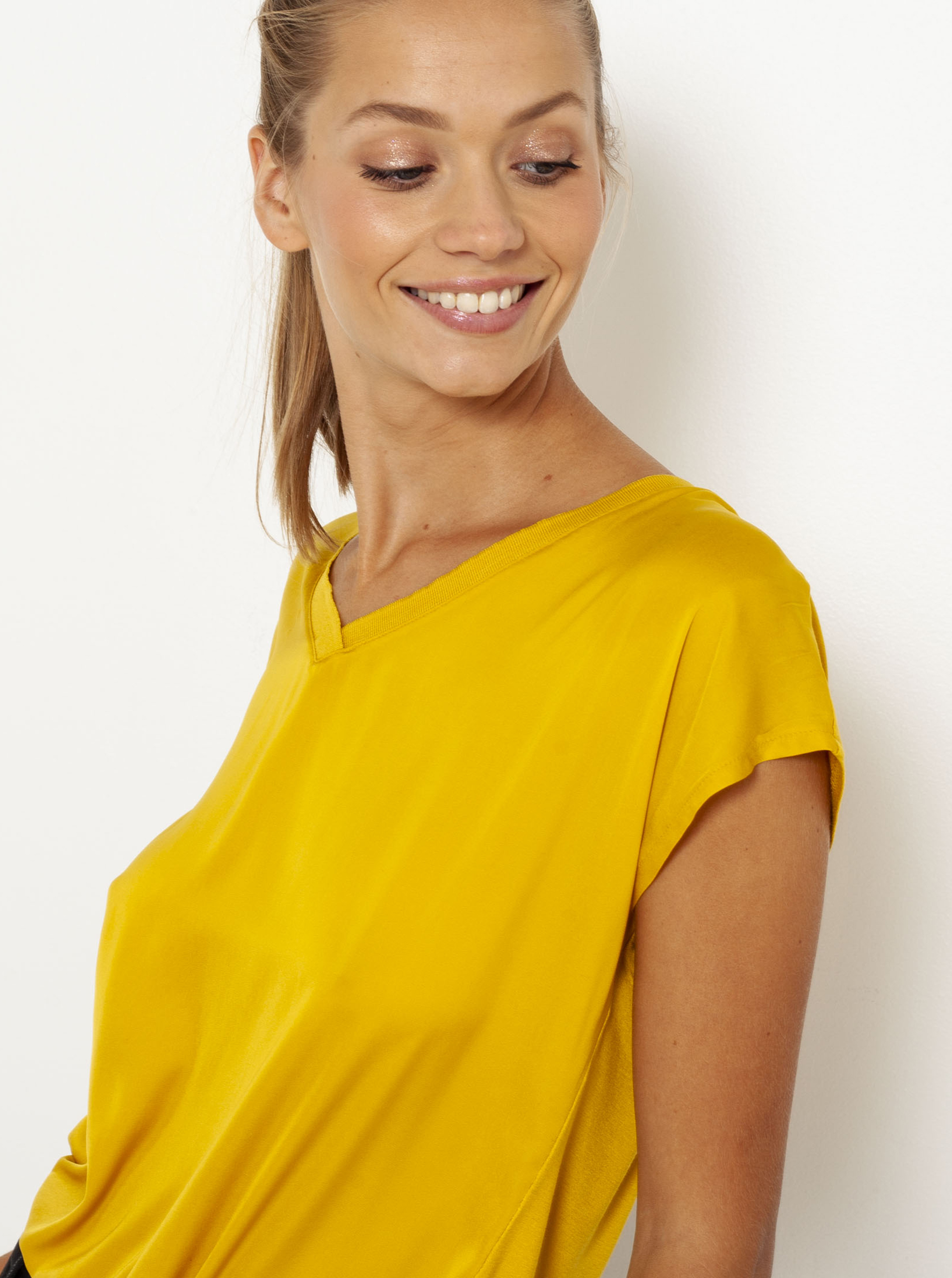 CAMAIEU rumena majica