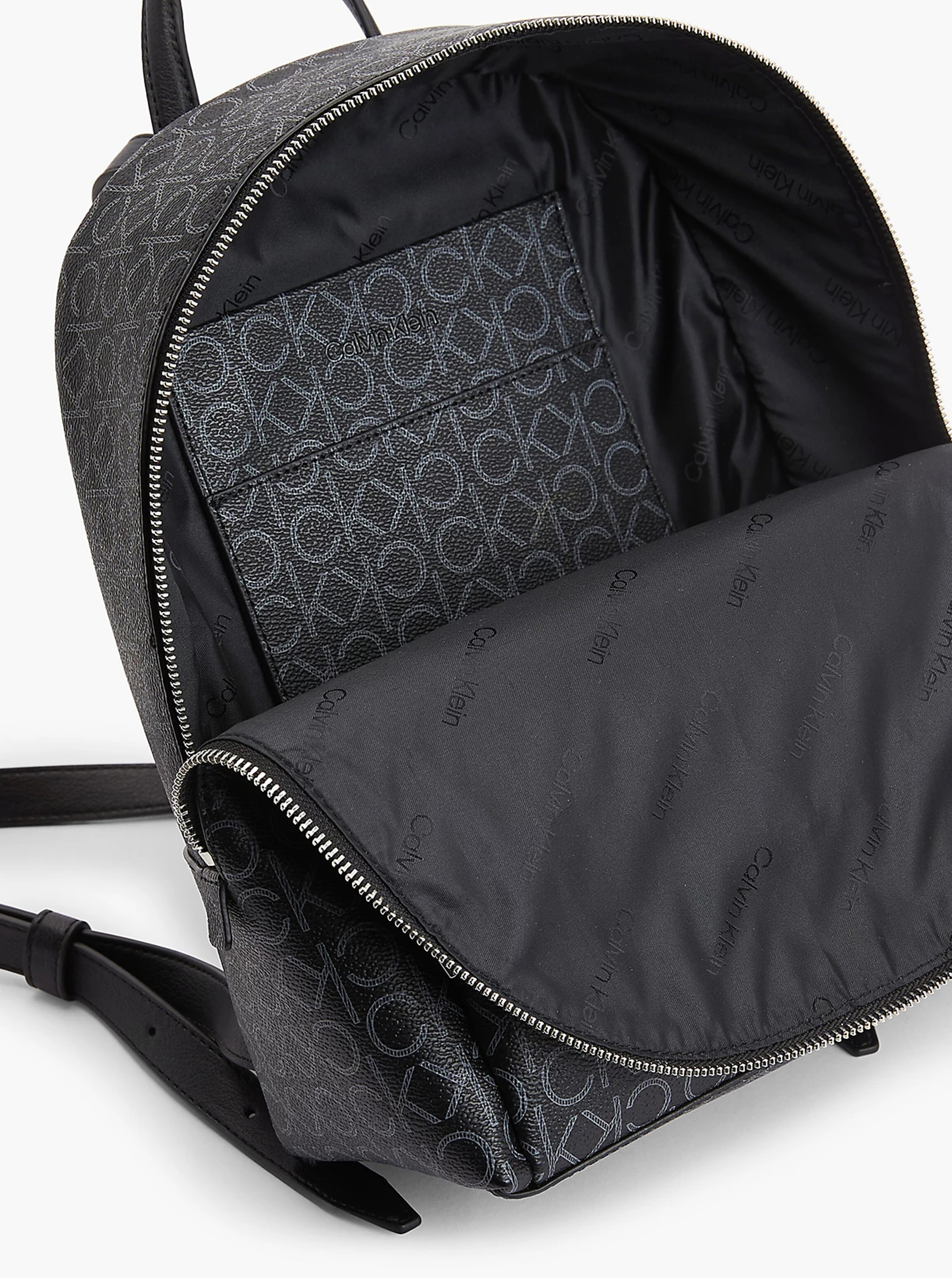 Calvin Klein črna nahrbtnik Must Campus