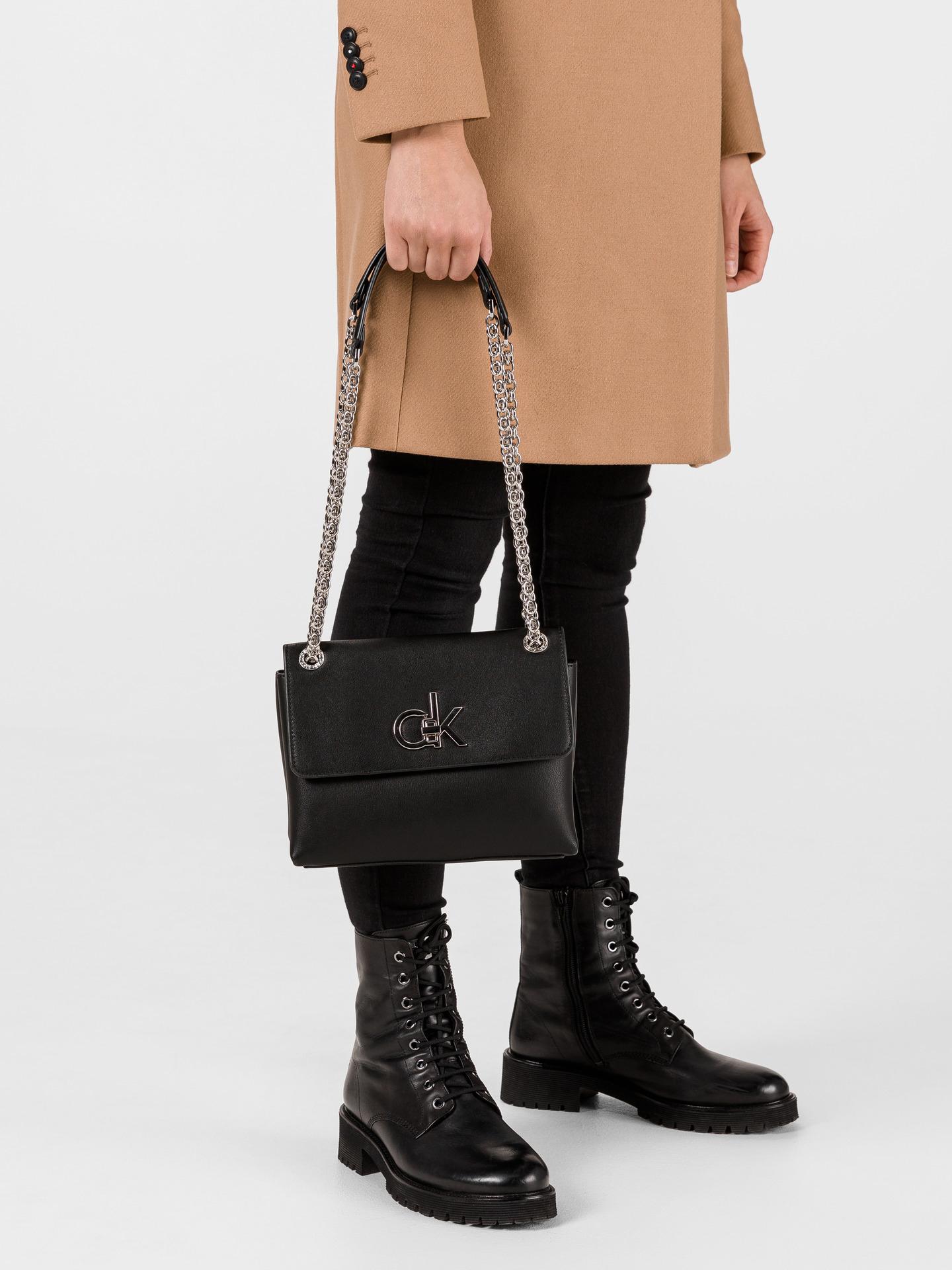 Calvin Klein črna crossbody torba Ew Conv Flap