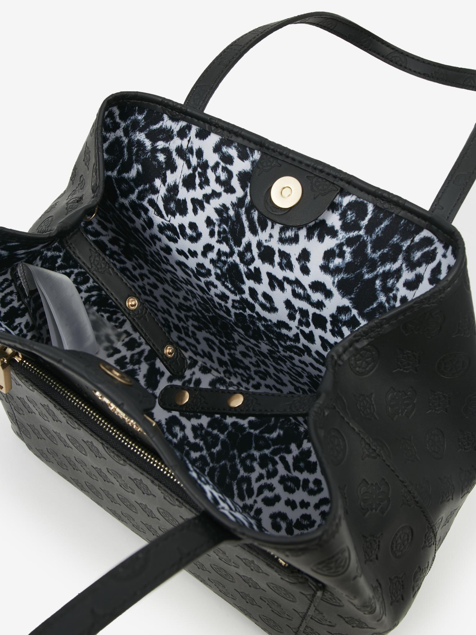 Guess črna torbica Vikky Roo