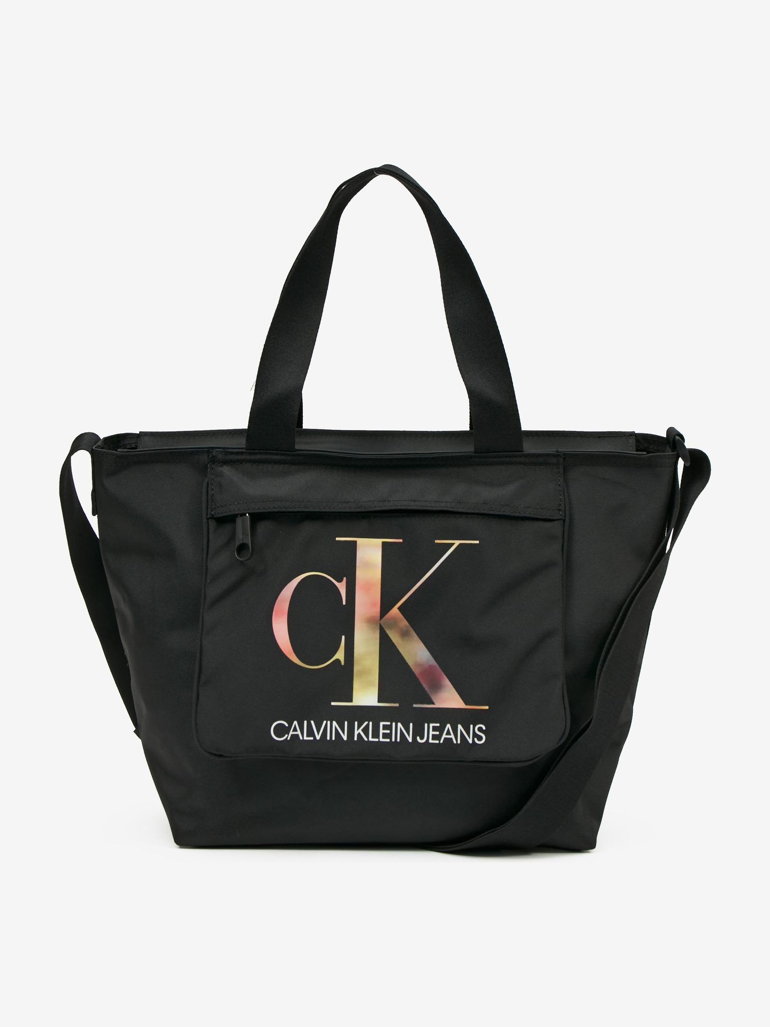 Calvin Klein črna torbica Sport Essential
