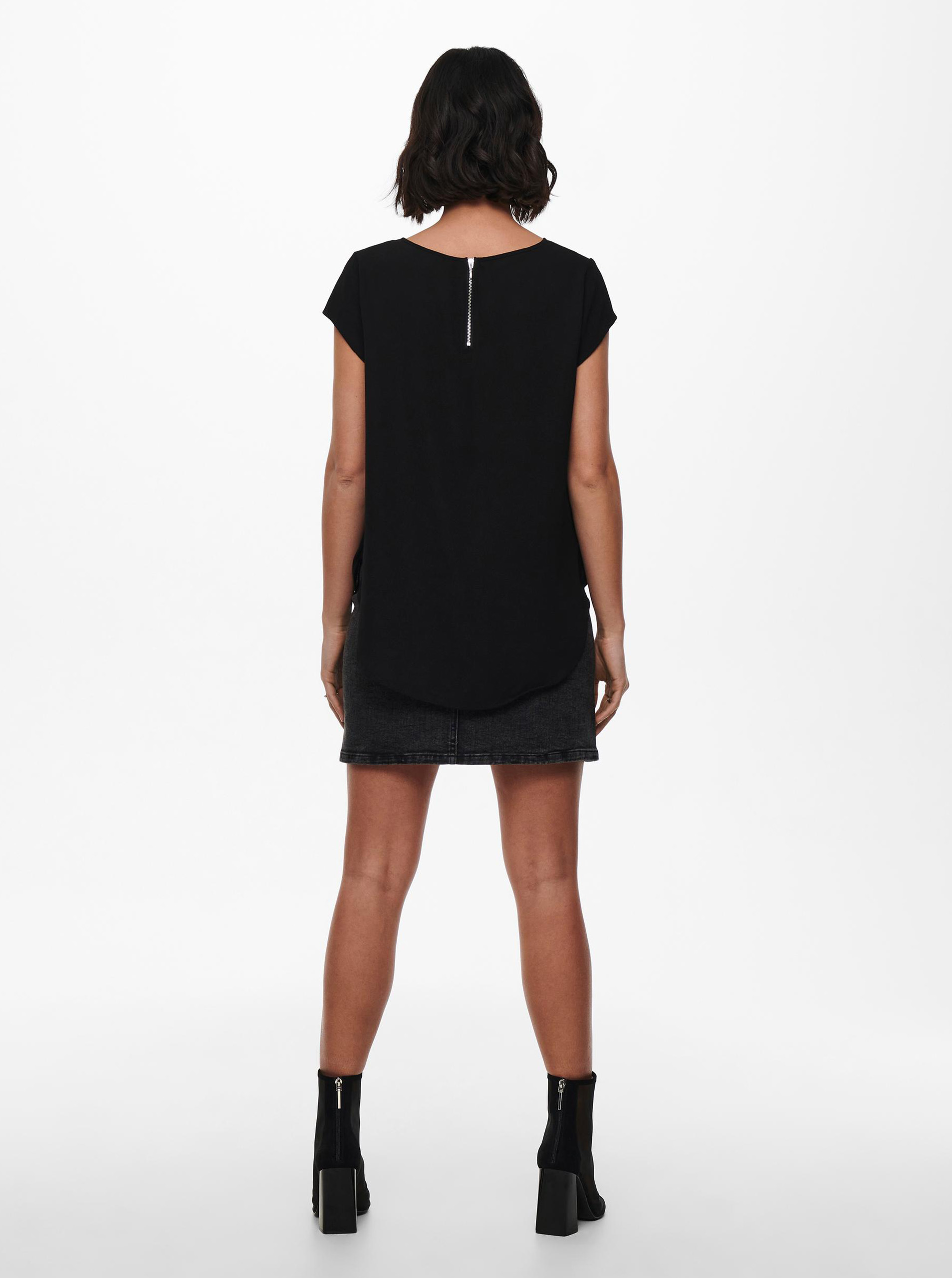 Črna bluza z zadrgo na hrbtu SAMO Vic