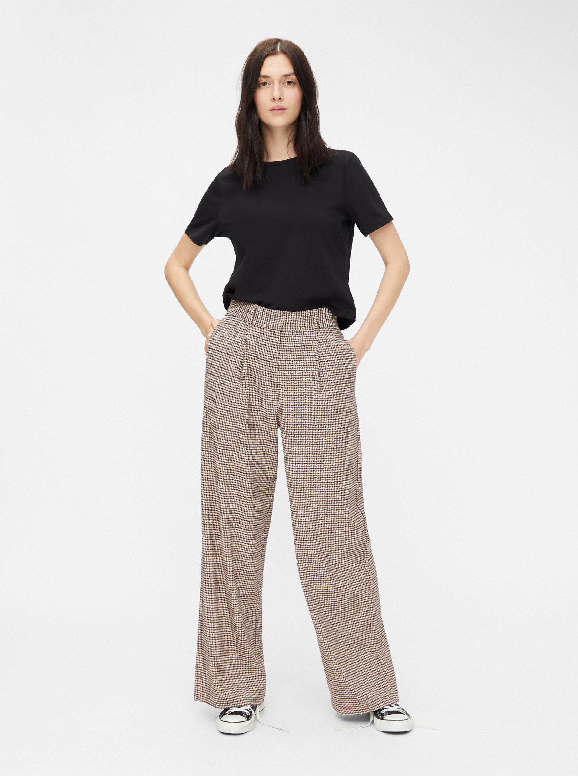 Pieces črna basic cropped top Rina