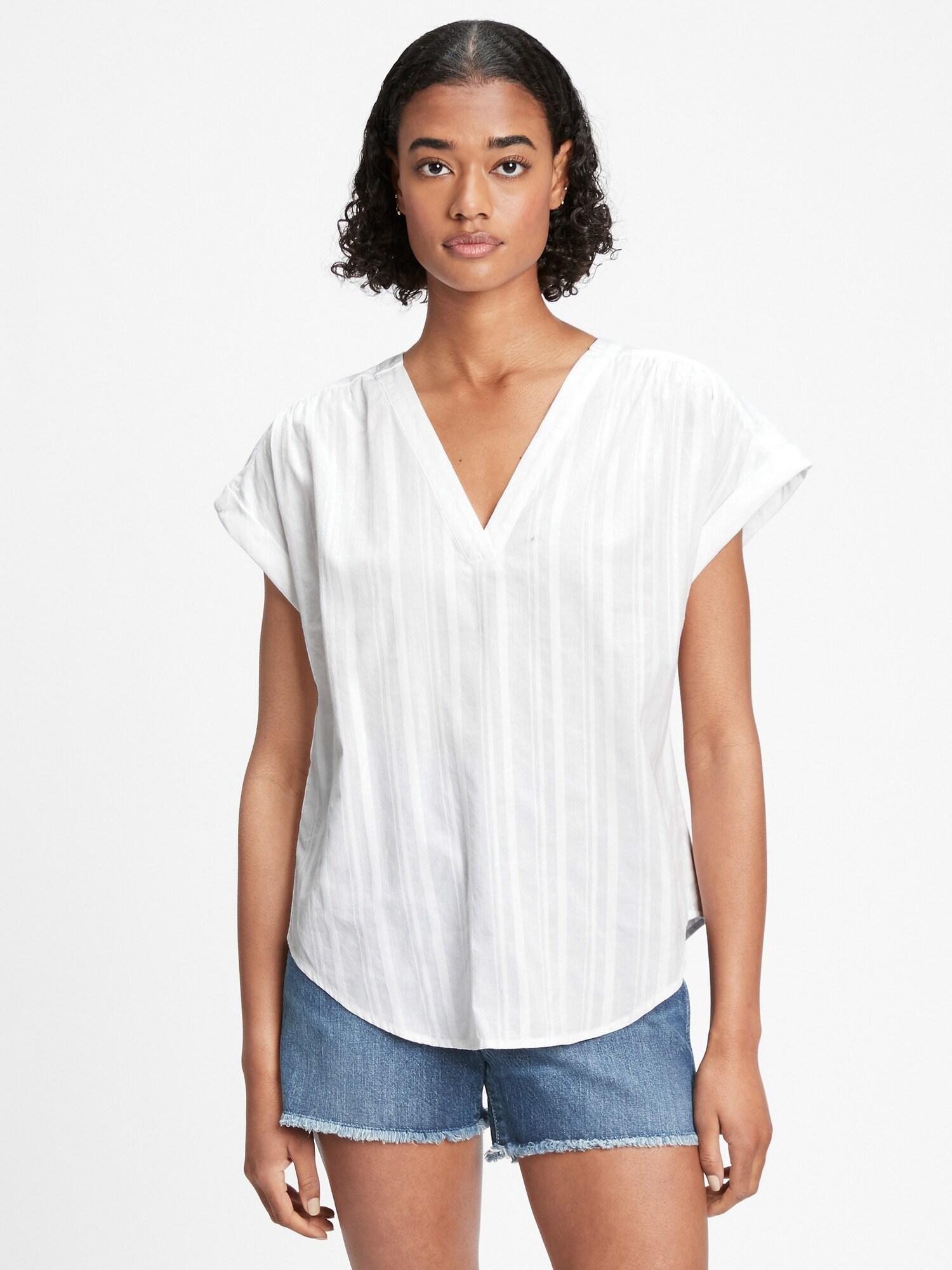 GAP bela bluza